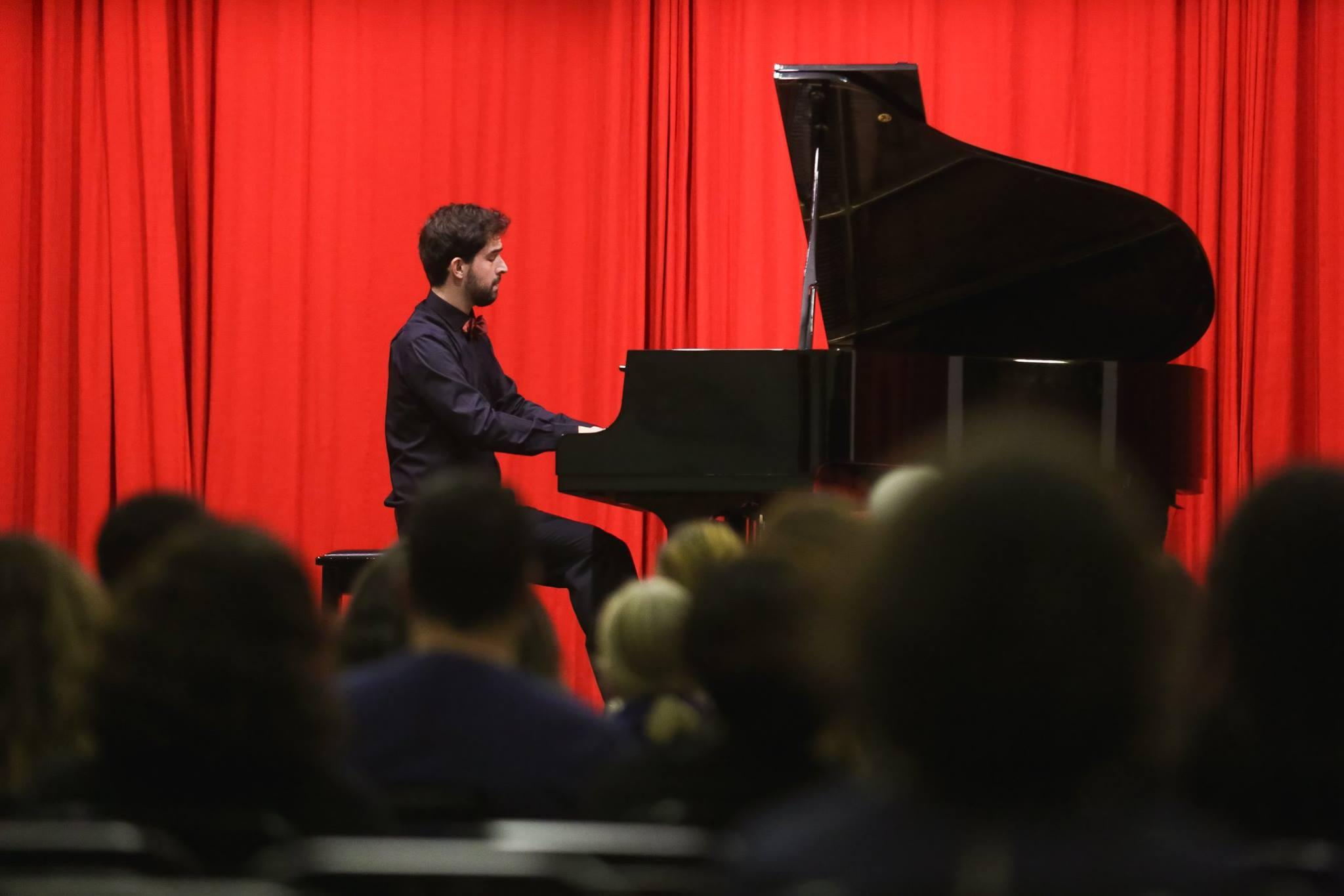 RECITAL DE PIANO COM ALLAN DUARTE MANHAS