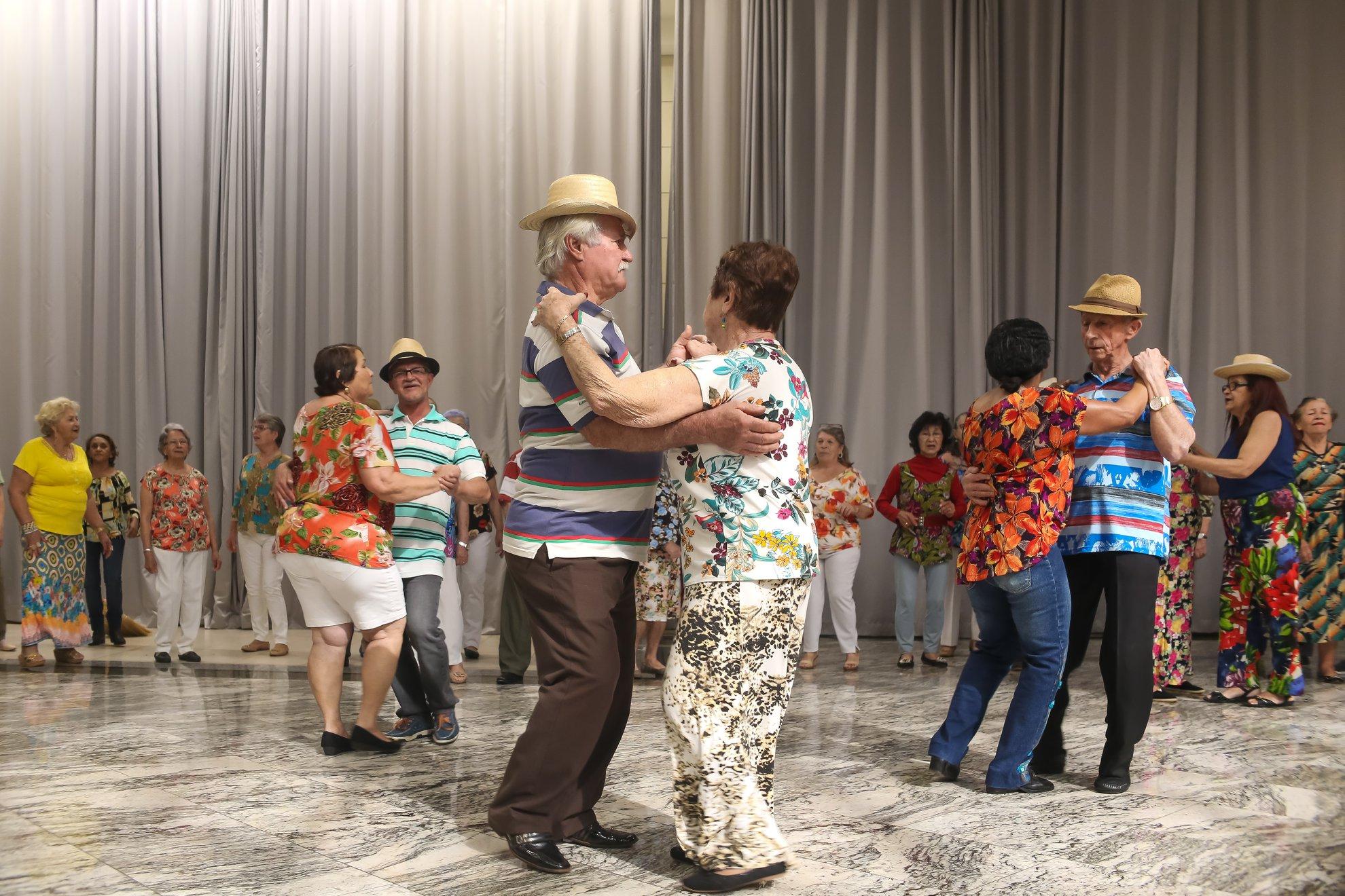 Show de Danças e Evolução da Melhor Idade