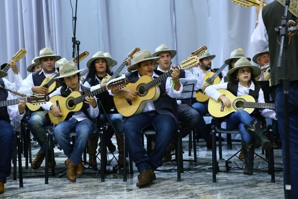 Orquestra Viola Caipira São Domingos Sávio e Coral Copel