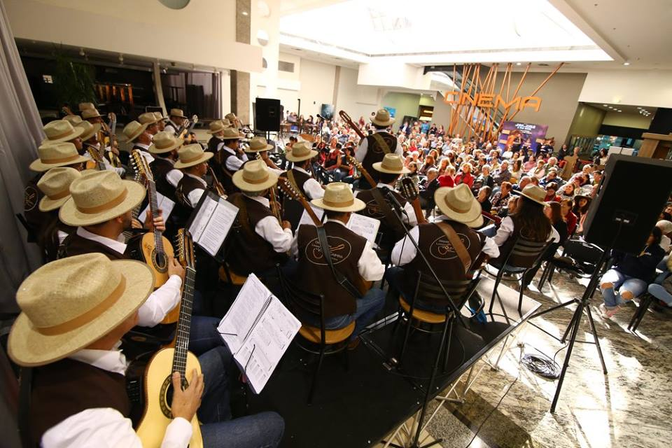 Orquestra de Viola Caipira e Samuca do Acordeon